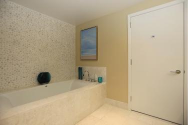 Badezimmer Ansicht 2 (160__Badezimmer+Ansicht+219.jpg)