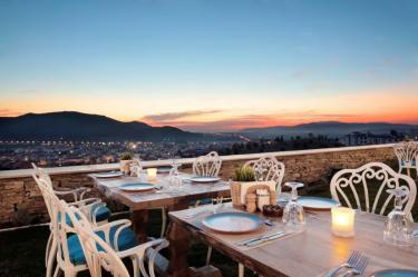 Romantic dinner at night (242__Romantic+dinner+at+night3.jpg)