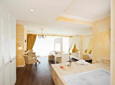 Schlafzimmer mit Bad en Suite (242__Schlafzimmer+mit+Bad+en+Suite10.jpg)